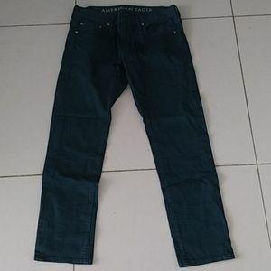 American Eagle. Skinny jeans hunter green. 32/28
